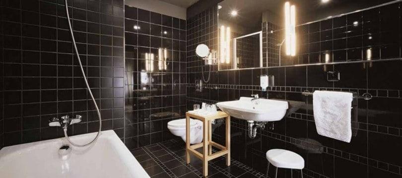 lampe et clairage salle de bain bien choisir mon robinet. Black Bedroom Furniture Sets. Home Design Ideas