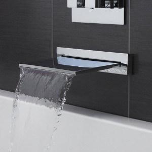 Robinet cascade et fontaine pour baignoire mon robinet for Robinet design salle de bain